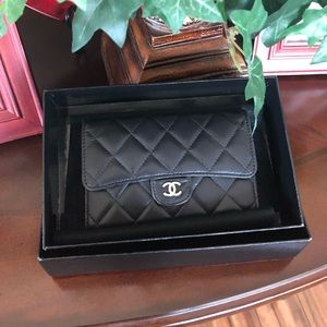 💯 auth ❤️Chanel caviar compact wallet❤️